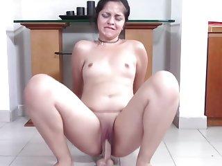 Big Teen round Pretty Clamshell Clit Squat Fucks Your Cock