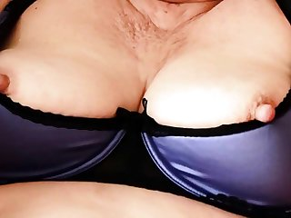 Mature Stute Gebieter Reveals Her Saggy Tits