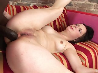 Special hardcore sex for the young amateur in hot interracial XXX