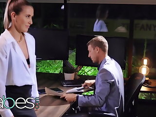 Sexy amanuensis Paige Owens pounded hard by her boss - BABES