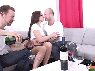 A handful for amateur guys be crazy mouth, pussy and anus for Czech grown-up model Wendy Moon