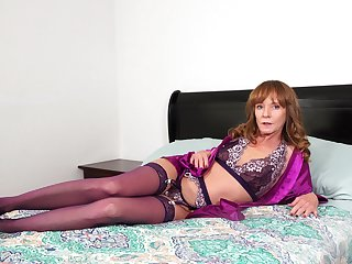Kinky left alone grown-up woman about nylon tights Cyndi Sinclair wanna please herself