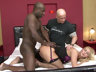 Cuckold husband watches Linda Ray possessions ass fucked off out of one's mind a BBC